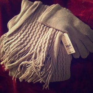 NWT scarf glove set - gray